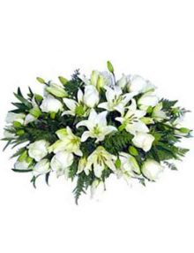 Almohadón flor blanca. Ainara Floristas