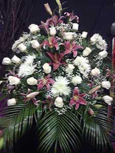 Centro rosa y blanco