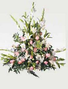 Centro fúnebre rosa y blanco