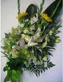 Ramo funerario tonos blanco y amarillo