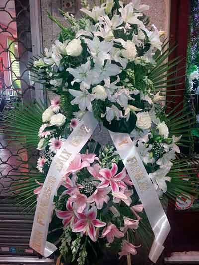 Corona flor variada,floristerias Madrid Ainara Floristas